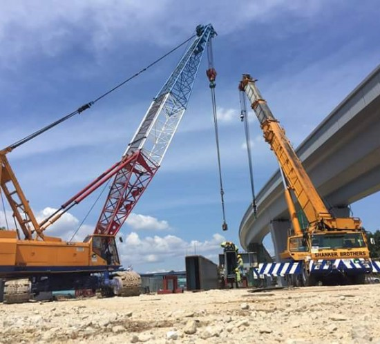 Crawler Crane and Mobile Crane work at MRT V8 Kajang- Lunching Beam